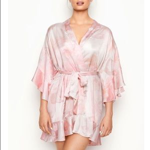 VICTORIA'S SECRET Floral Satin Short Kimono Robe